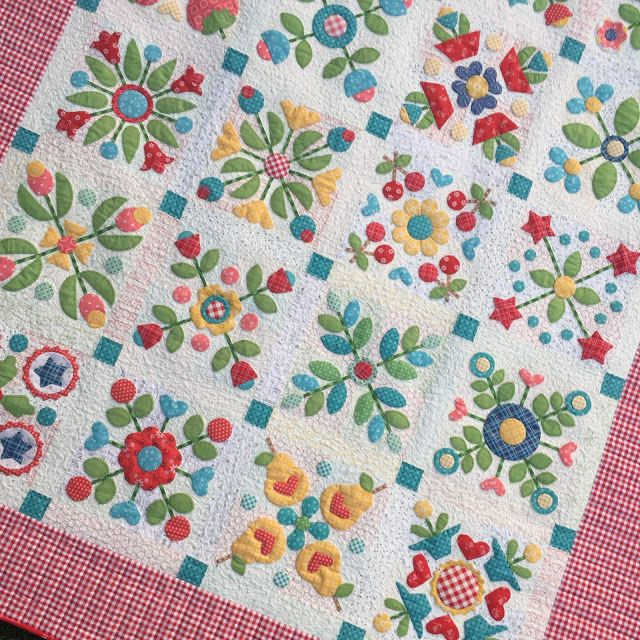 Sew Simple Shapes Series The Big Finish A Sewing Post From The Blog Bee In My Bonnet On Bloglovin Applique Quilts Quilts Quilt Patterns