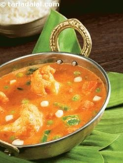 Here's a spicy curry from tamilnadu that tastes best with steamed rice. The chettinad masala for this curry can even be made a week in advance and stored in air-tight bottles.