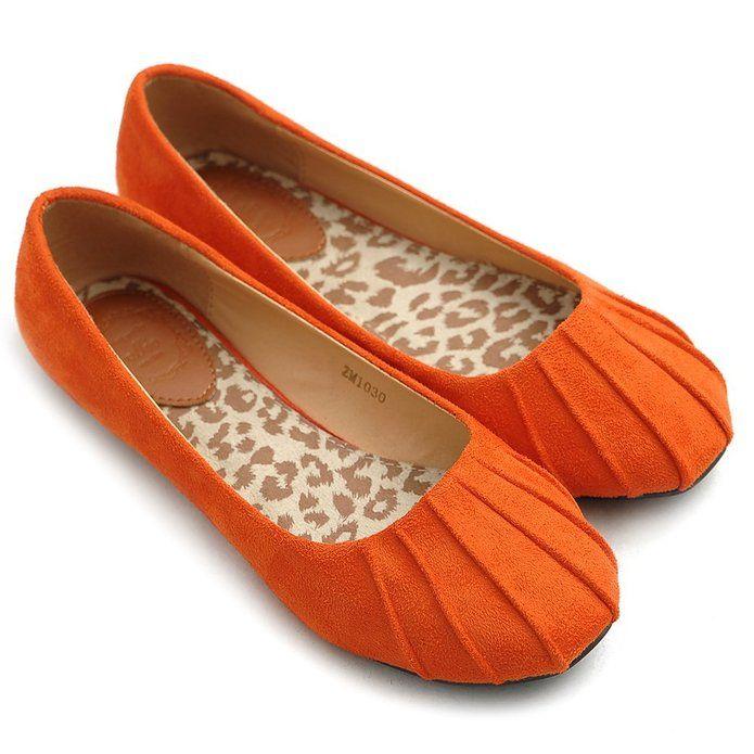 Fall fashion - Super cute orange flats and over 20 Fall Fashion Outfit Ideas at the36thavenue.com