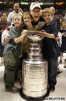 Martin Brodeur With His 3 Sons Right After Winning The Cup Hockey