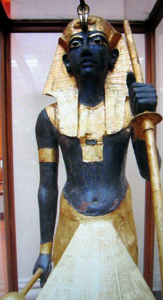 GUARDIAN STATUE OF KING TUTANKHAMUN...........SOURCE WIKIPEDIA.ORG.............