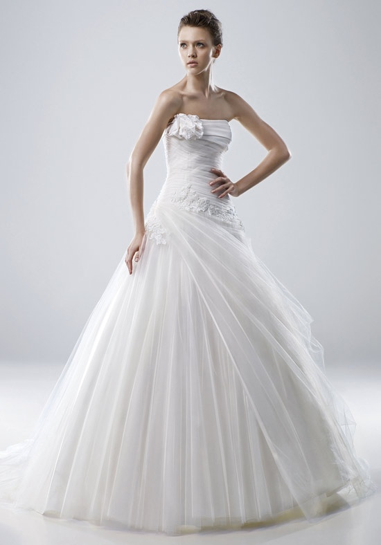Enzoani gown #Monica. For more information on these gowns and others that we carry in our store please call toll free 1-800-344-2672. Or visit thewinneroutlet.com