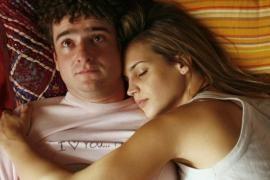 Posturas para dormir en pareja - Cachicha.com