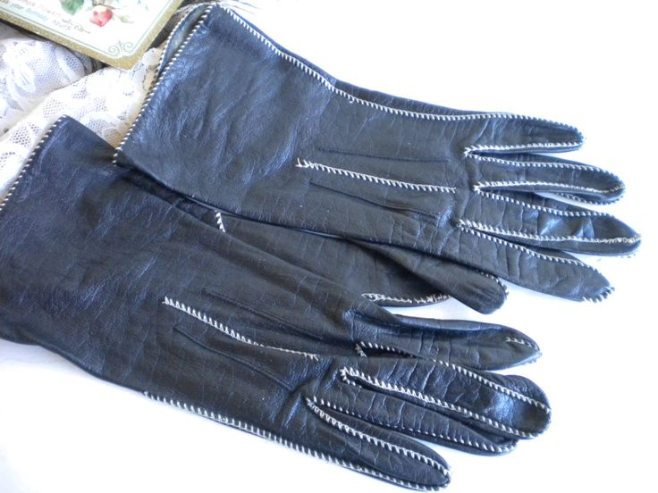 Leather Ladies Gloves/Black Retro Gloves With Stiching/Steampunk Gloves /Collectors/Shabby Chic Decor/Photo Prop by MyVingtique on Etsy