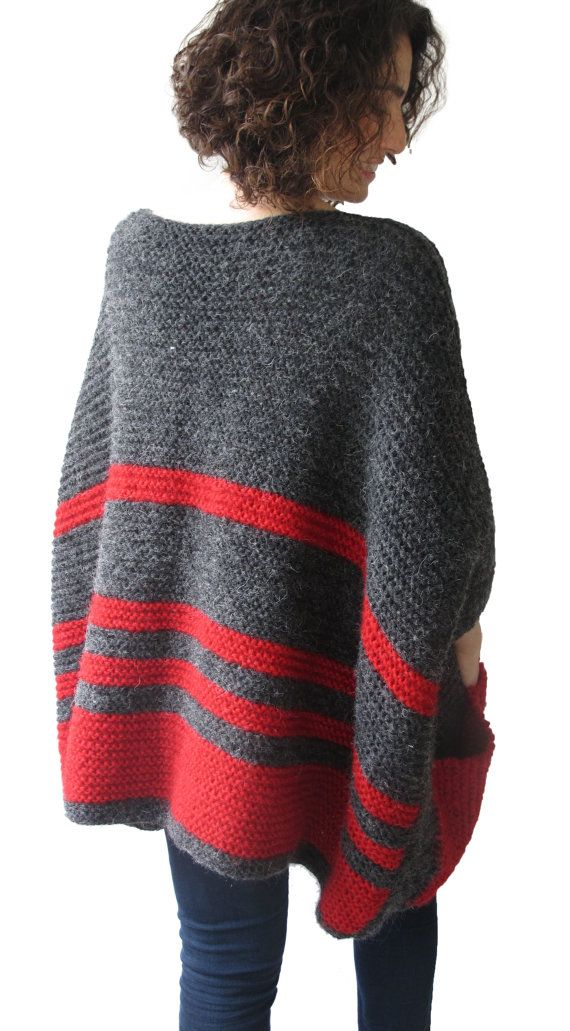 Dieser Pullover ist Hand gestrickt, mit hoher Qualität, dünn und anti-allergische Mohair Garne. Es hat eine niedliche Tasche. Es ist leicht, warm und gemütlich. Plus Größe, Größe. 3/4 Ärmel. Aber wenn Sie möchten kann ich stricken mit Ihren speziellen Messungen.   Frage, nur Convo.   ---In einer Haustier- und Rauch-freie Umgebung vorgenommene.---  ---Alle Hand gehäkelt und Hand stricken Elemente sollten Hand Luke mit mildem Spülmittel in warmem Wasser gewaschen und auf…