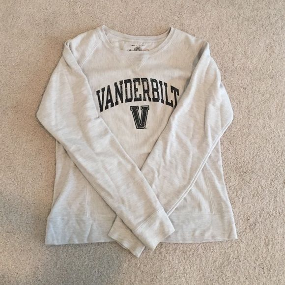 Vanderbilt University sweatshirt. Vanderbilt University sweatshirt. Black lettering. Crewneck. Women's large, but fits like a medium. No rips, holes, or stains. Champion Sweaters