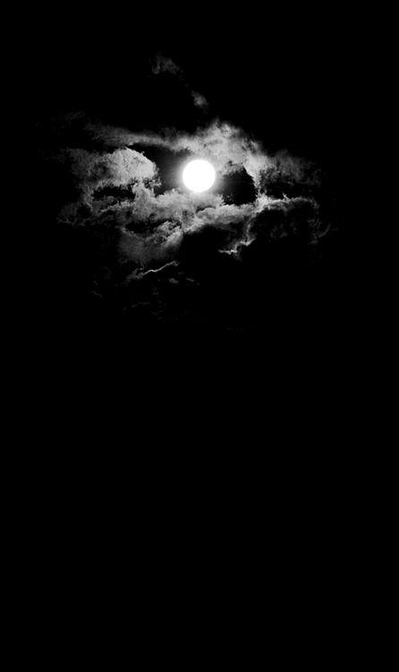 Moon - Like a pearl