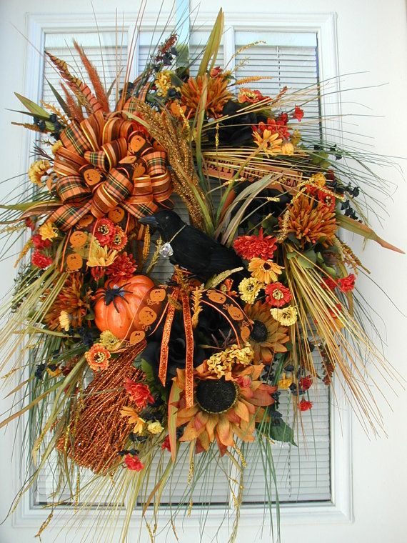 Halloween Fall Decoration Grassy Arrangement Raven by PetalsNPicks, $159.00Doors Wreaths, Crows Witches, Arrangements Ravens, Doors Decor, Black Signs, Decor Grassy, Fall Decorations, Fall Wreaths, Crystals Spiders