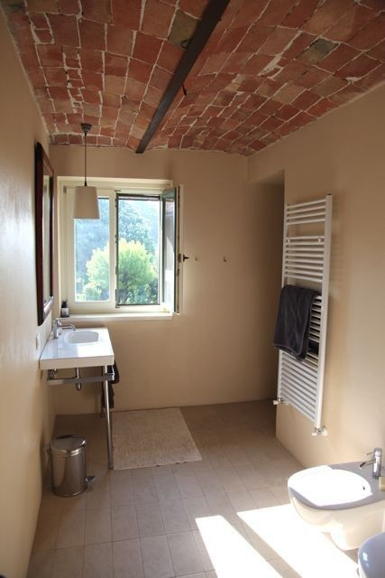 Asti farmhouse rental - Shower room with WC & bidet