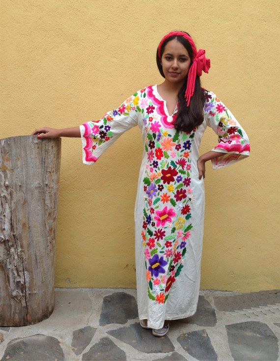 Mexican Dress/ Mexican hand embroidery / Mexican dress with 3/4 sleeves/ Mexican cloth /