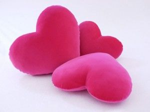 Como hacer una almohada con forma de corazon