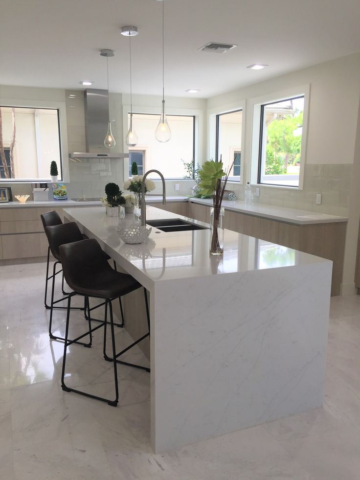 Tha island, more space to cook and to entertain