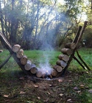 Self Feeding Fire That Lasts A Whopping 14 Hours. http://www.thegoodsurvivalist.com/15197-2/ #thegoodsurvivalist #campingideas