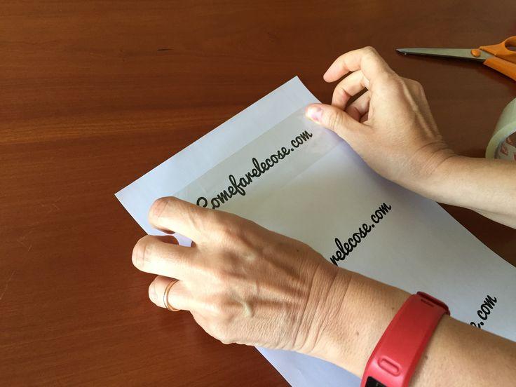 Come creare etichette trasparenti per i contenitori della dispensa o per decorare, usando una stampante, dei normali fogli di carta e del nastro adesivo