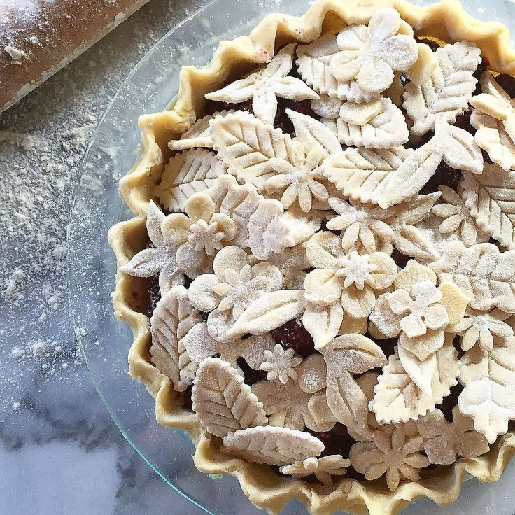 Vodka Pje Crust Recipe. Use Williams-Sonoma  @williamssonoma pie cutters to create this pie crust design. {pie inspiration}