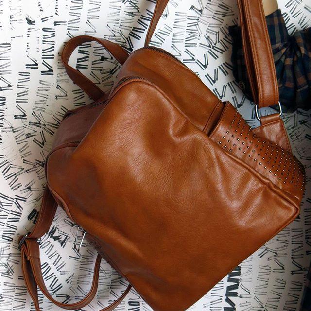 Miren quienes llegaron: los bolsos y las mochilas :) •  •  •    #bolsos #bolso #maletin #maleta #viajar #instamoda #outfit #cajica #INSANNIA