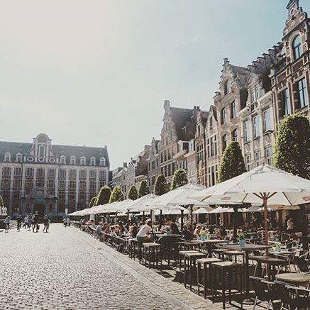 Hallo studenten welkom in onze stad. Maak er een onvergetelijk academiejaar van! // Dear students welcome to Leuven! #seemyleuven #visitleuven #uitinleuven Regram @saraingignoli
