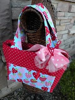 cute tote I want fabric!Fabrics, Purses, All