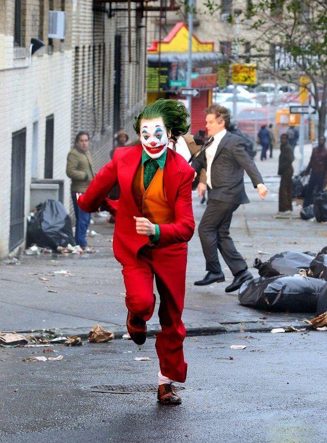 Joaquin Phoenix as Arthur Fleck in The Joker (2019)