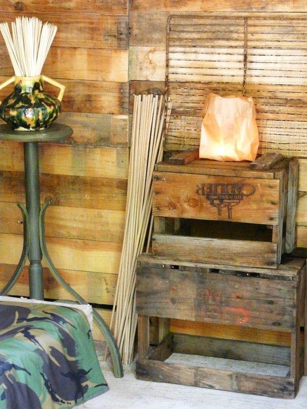 La cabane de L'épicerie de Vénat : récup, caisse de bois, www.lepicerie-de-venat.com