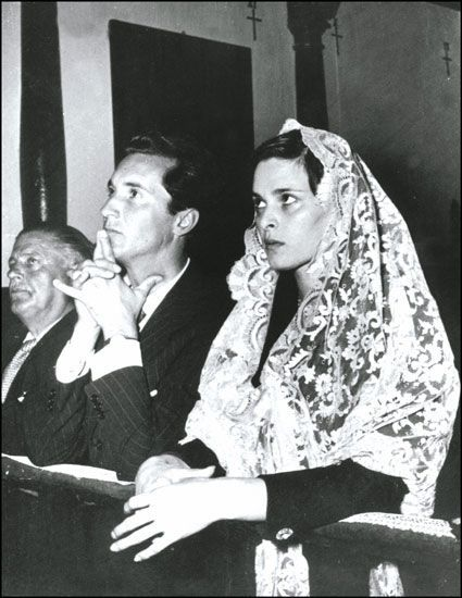 Lucia Bose and Luis Miguel Dominguin(19 de octubre de 1955)