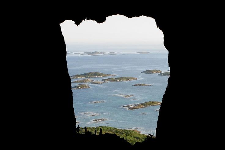 View from inside Torghatten, Helgelandskysten, Norway    Foto: Bjørn Andresen