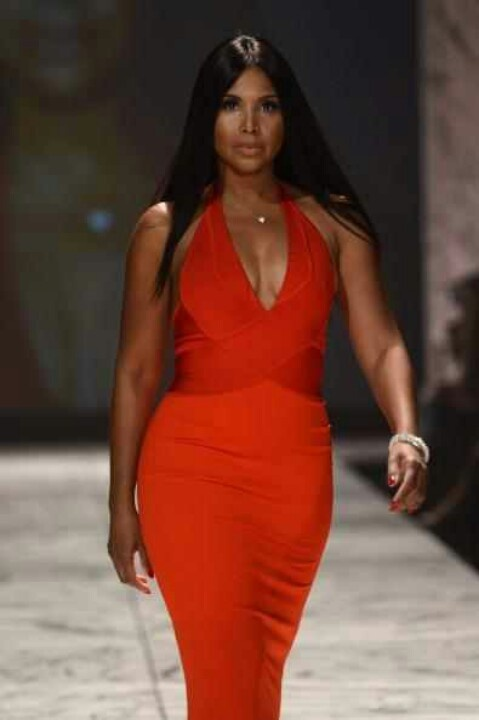 Toni Braxton - Love the look!