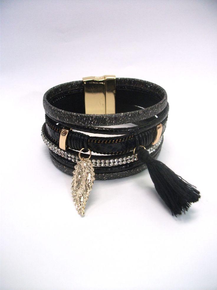 BC65732 Diamante bracelet with tassel and leaf charm