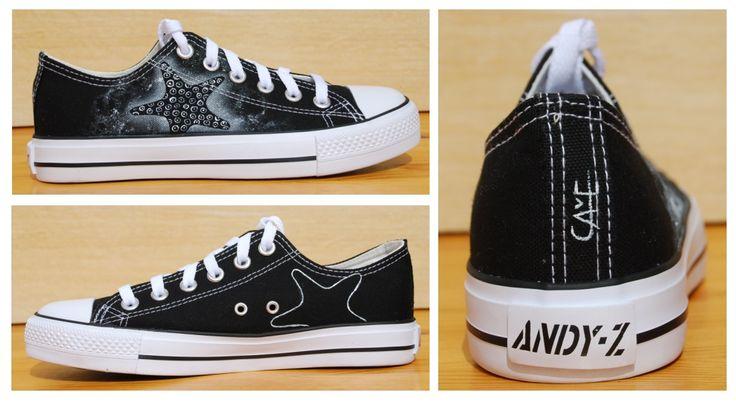 La Playera. Zapatillas pintadas a mano. Estrella blanca. Custom sneakers.