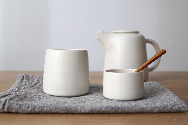 Grande tasse pour le thé, café, infusion... [tab] Ces tasses en céramique sont tournées et émaillées à la main par Laurence Labbé en France. *Peut...