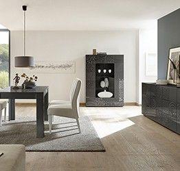 Sala completa di tavolo, madia e vetrina, grigio serigrafato