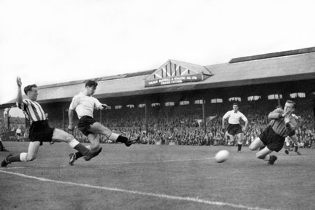 """v Lincoln City (1958) from """"Johnny Haynes: Fulham's big headed pass master"""" by Bill Simpson"""