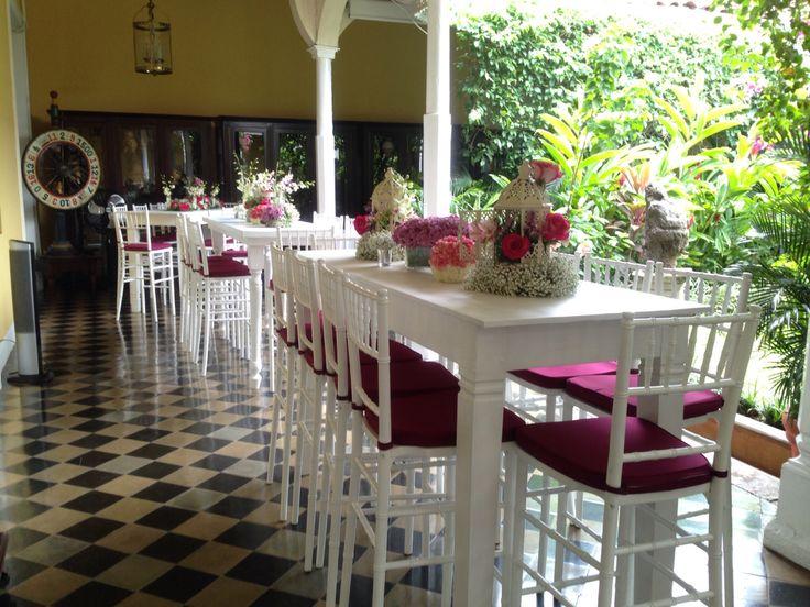 Mesas altas! Algo moderno y elegante.