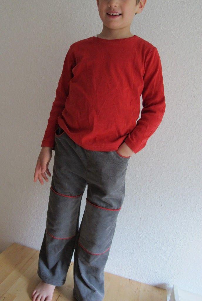 MIX & MORITZ aus Cord, mit roten Details