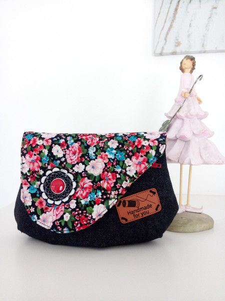 Weiteres - Abendtasche schwarz, geblümt - ein Designerstück von Lockermann bei DaWanda