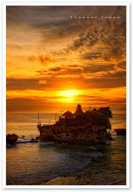 It's so awesome to say I've been there. Tanah lot temple - sunset time. I miss Bali today....