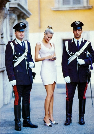 Schiffer Carabinieri..awww gorgeous police of Europe...