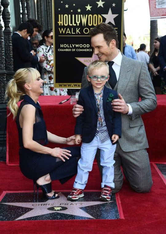 Anna Faris, Chris Pratt and his family at Chris Pratt Honored With Star On The Hollywood Walk Of Fame on April 21, 2017 in Hollywood, California.