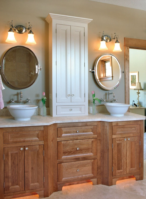 Lovely his and hers sinks in this master bath house plan for Master bathroom his and hers