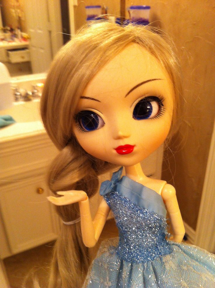 My Beautiful Elsa Pullip Doll Disneys Frozen Elsa