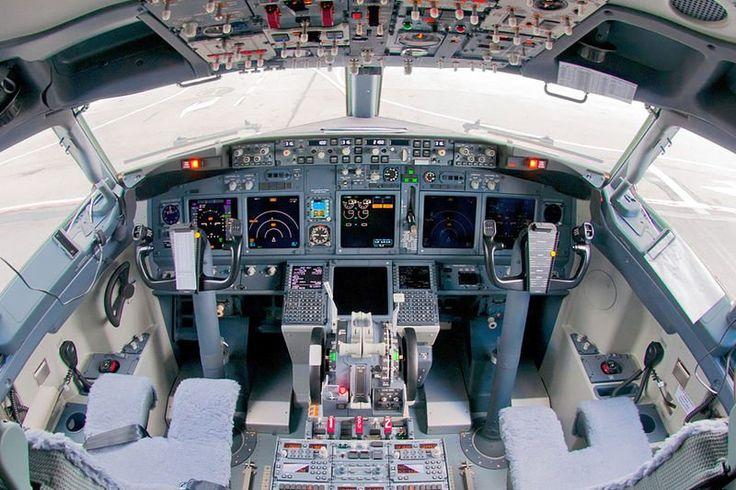Cabina de vuelo de un Boeing 737-800