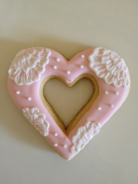Vanilla heart cookies with lemon royal icing by mylittlemod, via Flickr