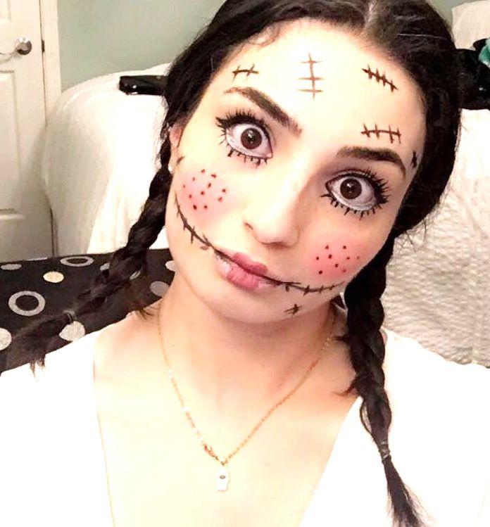 Creepy doll Halloween makeup ideas. Scary Halloween makeup, DIY Halloween makeup, Halloween makeup ideas, Easy hHalloween makeup, Halloween makeup tutorial, Creepy Halloween makeup #halloween #halloweenmakeup