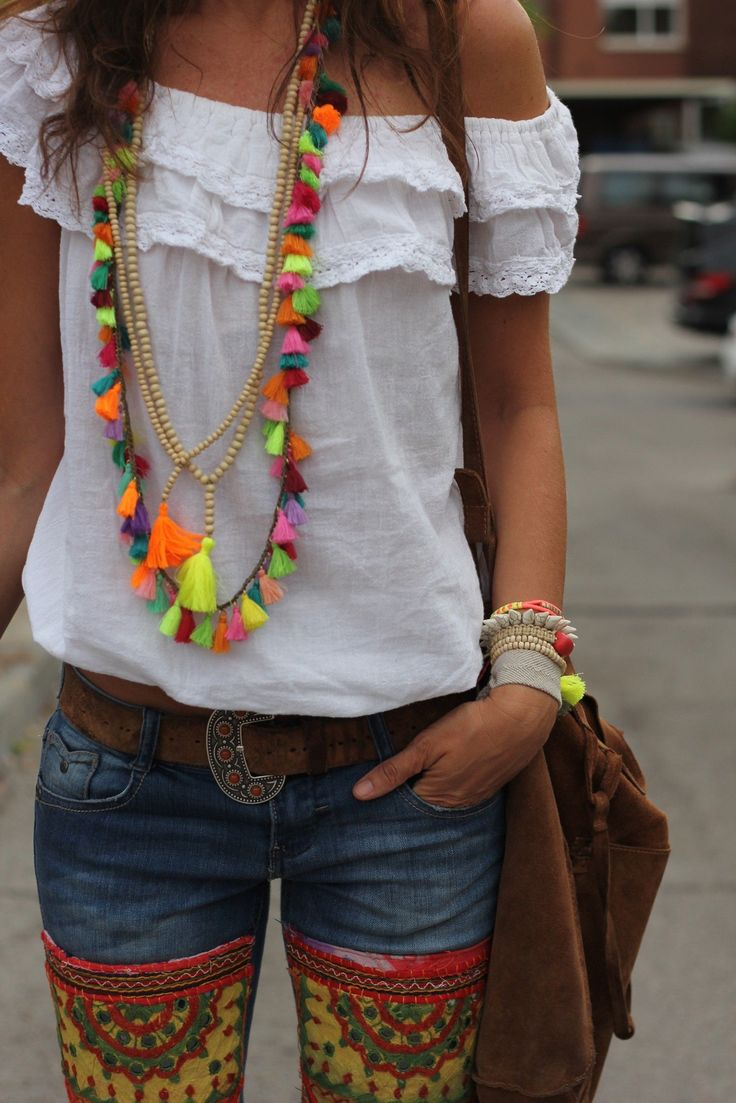 pompom boho necklace