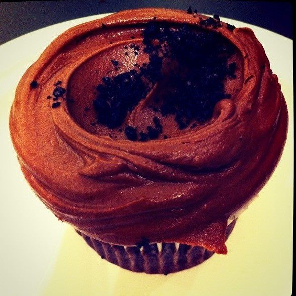 Devils Food Cupcake with Buttercream Frosting from Magnolia Bakery inside Bloomingdales in Dubai!: Chocolate Cupcakes, Bakeries, Dubai, Food Cupcake, Buttercream Frosting