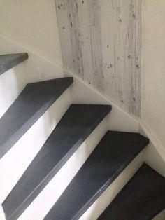 Mijn trap geverfd met leisteeneffect   Krijtverf   wax en was   AbbonDanzA 