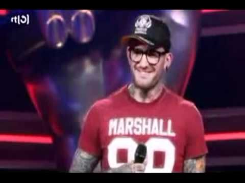"Ben Saunders singing ""Use Somebody"" for The Voice (Holland)"