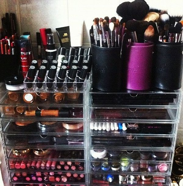 great storage ideas for makeup and makeup accessories! decorate makeup storage inspiration