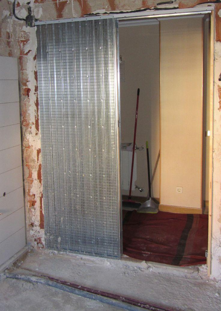 Estructura cassoneto para puerta corredera empotrada.