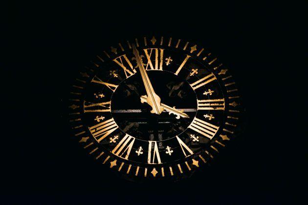 Thomas Bormans 357693 Unsplash Time Management Techniques Clock Overlays